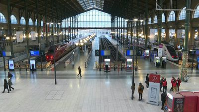 Paris: Europe's busiest train station still paralysed by strikes