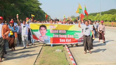Hundreds of supporters welcome back Aung San Suu Kyi in Myanmar