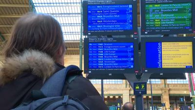 French strikes: travellers between resignation and exasperation in Paris Gare du Nord