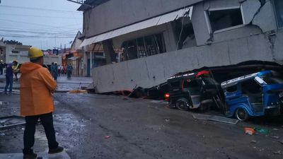 Building collapses, vehicles crushed in Philippine earthquake