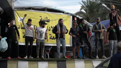 Iraqis in Baghdad continue to participate in anti-government protests