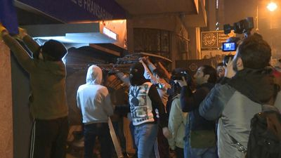 Lebanese protesters vandalise banks in central Beirut
