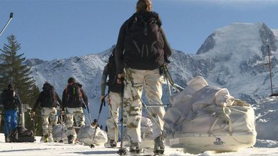 Elite team from French army train in Alps ahead of Greenland trek