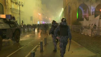 Lebanese protesters clash with security forces in downtown Beirut