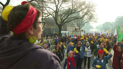 Bordeaux teachers dress up as 'Rosie the riveter' for pension protests