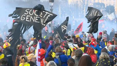 Anti-pension reform protest come to an end in Paris