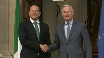 Barnier arrives in Dublin for talks with Varadkar