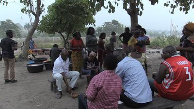 Nigerians turn to traditional brew as economy staggers