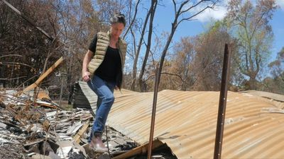 Small businesses struggle to recover from Australian fires