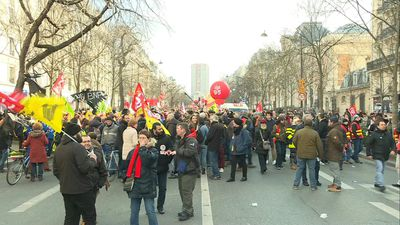 Thousands in Paris streets to protest France's pension reform