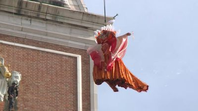 Linda Pani performs the Flight of the Angel in Venice