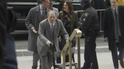 Weinstein arrives at court as jury is set to begin deliberations