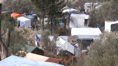 Migrants describe their struggle in overcrowded Samos camp