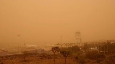 Sandstorm causes disruption at Tenerife airport