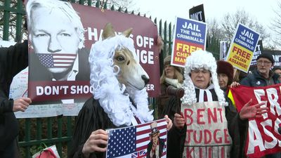 Protest in London against Julian Assange's extradition to the US