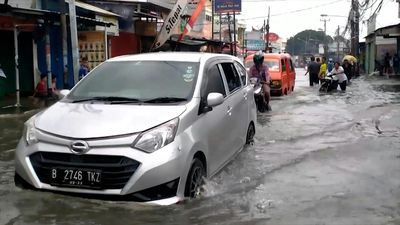 Jakarta swamped by flooding after torrential rains