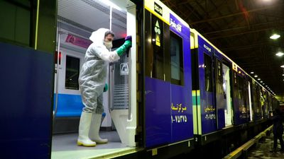 Coronavirus: Tehran disinfects buses and trains