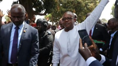 Candidate in chaotic G.Bissau vote arrives to take oath, claims victory