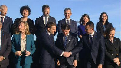 Family photo before the France-Italy summit in Naples