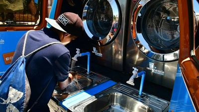 Coronavirus: Hand-washing truck deployed in Costa Rica's capital