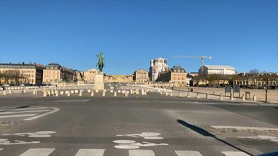 Coronavirus: Versailles surbub of Paris mostly empty on day 14 of lockdown