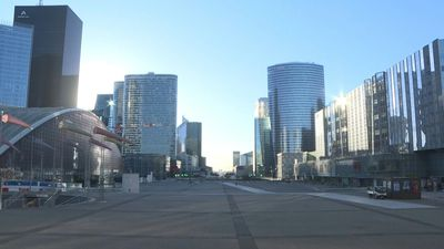 Coronavirus: Paris business district of La Defense virtually deserted