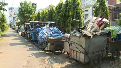 Coronavirus: Street food carts in Thailand abandoned