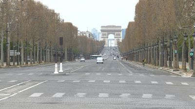 Coronavirus: Champs-Elysées virtually deserted on day 17 of French lockdown