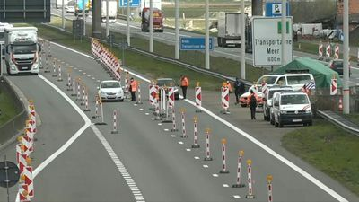 Coronavirus: Police man checkpoint at Belgium-Netherlands border