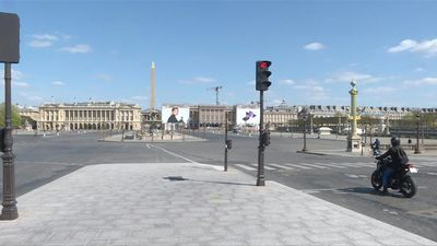 Coronavirus: Paris's Place de la Concorde empty on 19th day of confinement