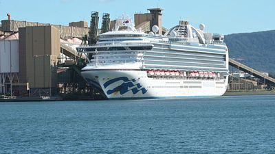 Ruby Princess docks south of Sydney