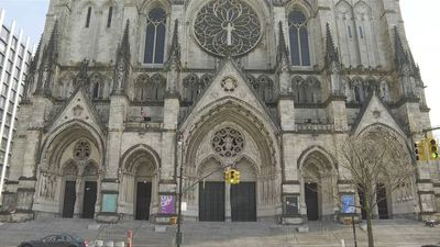 Coronavirus: New York City cathedral to become field hospital