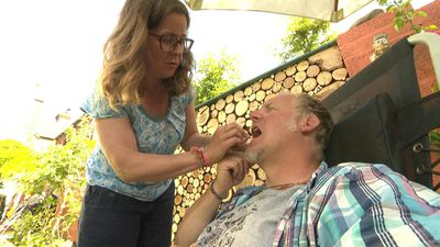 Couple attempt 'Victorian-type' at-home dental work amid pandemic