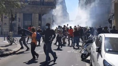 In Paris, clashes during a demonstration in support of migrants held in detention centres