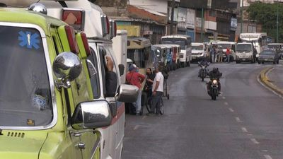 Venezuela relaxes lockdown with long lines at petrol stations