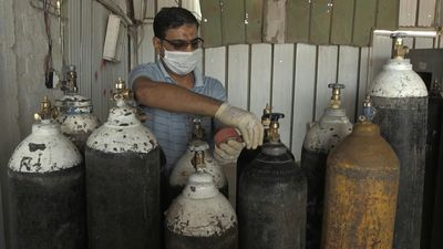 Iraqi factory boosts production of oxygen tanks to cope with virus demand