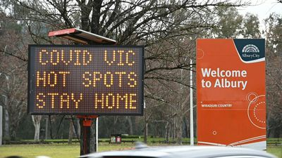 Australia: Warning signages at Victoria state border ahead of virus lockdown