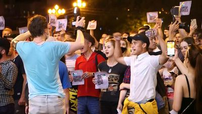 Anger in eastern Russia over popular governor's arrest
