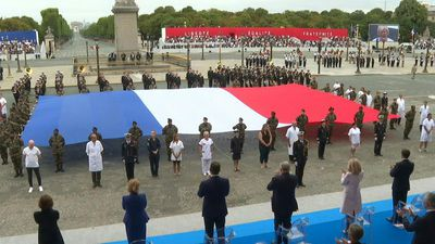 Bastille day: medical staff applauded on Concorde square
