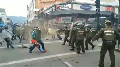 Clashes between police and indigenous Mapuche erupt in central Chile