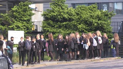 Pupils in Scotland return to school