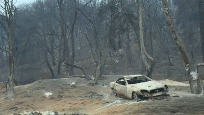 Lake Fire destroys homes and cars near Los Angeles