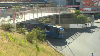 Champions League: FC Barcelona buses arrive at Lisbon stadium