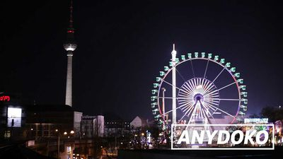 ANYDOKO Shorts - Berlin Christmas Markets