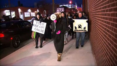 Protesters call to prosecute, boycott of R. Kelly