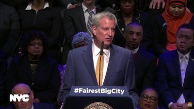 NYC mayor pitches retirement fund, paid vacation