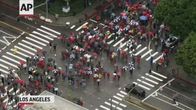 Los Angeles teachers protest on 2nd day of strike