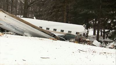 Plane crash after takeoff in rural Ohio, 2 dead