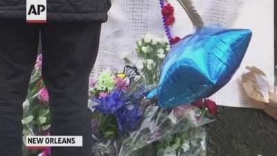 Mourners pay tribute to New Orleans cyclists