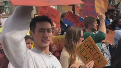 Al Gore supports students' climate change protests